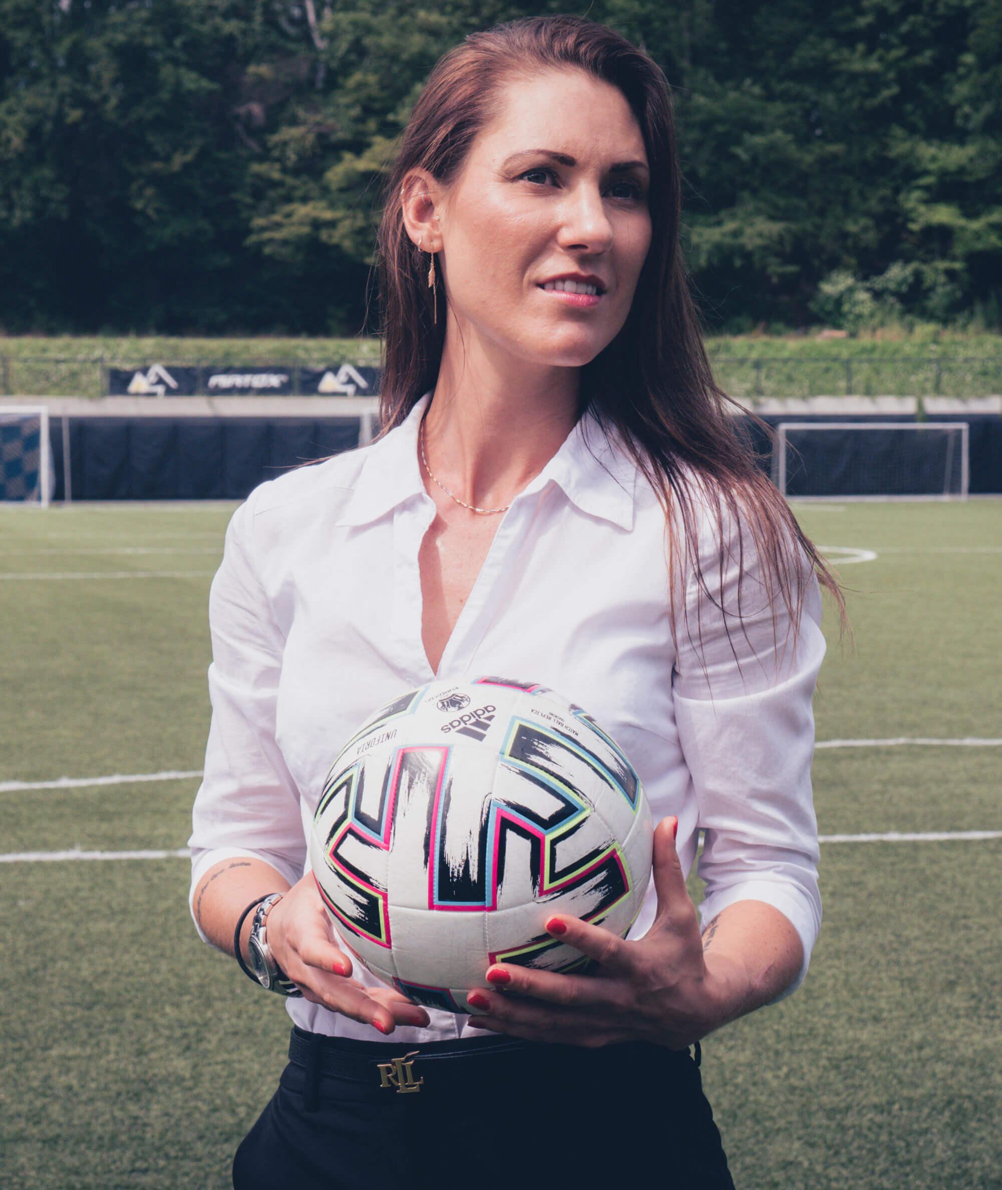 Vickie People In Sport - kvindefodbold agent